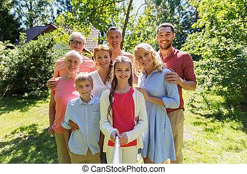 été, jardin, famille, prendre, selfie, heureux