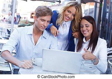 été, ordinateur portable, café, jeunes