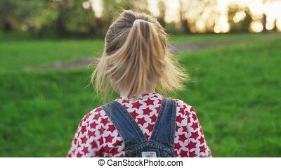 été, pelouse, lent, parc, dos, mouvement, courant, enfant, vue