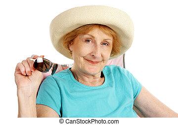 été, personne agee, -, lunettes soleil