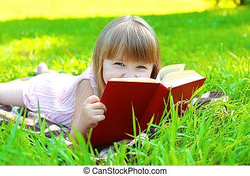 été, petite fille, ensoleillé, livre, enfant, portrait, sourire, herbe, jour, mensonge