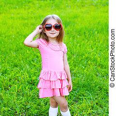été, peu, lunettes soleil, portrait, girl, herbe
