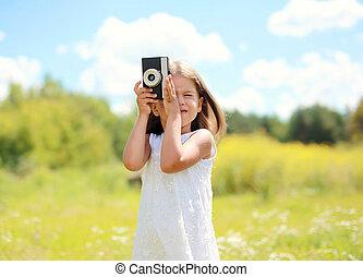 été, peu, vendange, enfant, ensoleillé, appareil photo, retro, dehors, portrait, girl, jour