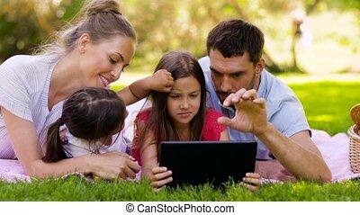 été, pique-nique, famille, tablette, parc, pc