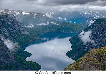 été, ringedalsvatnet, trolltunga, lac, norvège, odda, vue