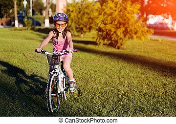 été, vélo, park., coucher soleil, enfant, équitation, girl