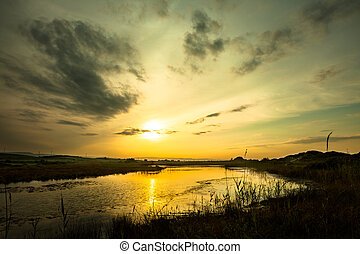 étang, à, coucher soleil