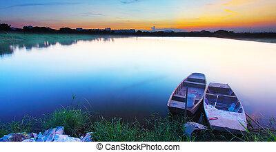 étang, coucher soleil
