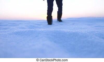 étapes, hiver, hiker., marche, snow., outdoors., récréatif, ralenti, profond, activité, pieds, pied, mâle