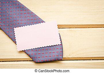 étiquette, cravate, vide