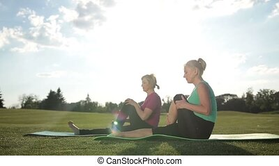 étire, pilates, jambe, exercice forme physique, femmes