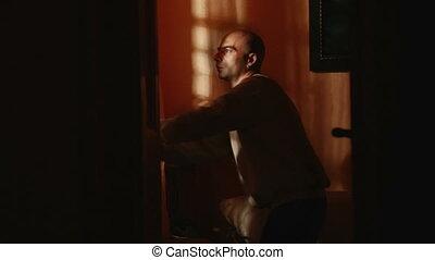 étrangers, fenêtre, homme, nuit