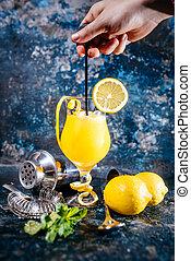 étterem, vodka, mint., csapos, koktél, alkoholista, kocsma, jég, szervál, bár, iszik, vagy, előkészítő