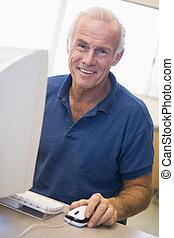étudiant mûr, techniques, informatique, apprentissage, mâle