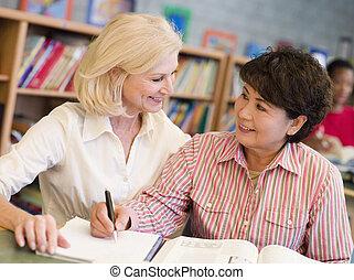 étudiant, précepteur, aider, bibliothèque, mûrir