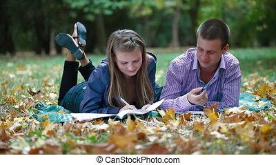 étudiants, étudier, automne, parc