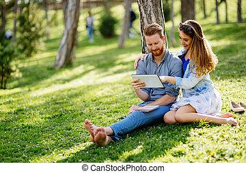étudiants, étudier, université, parc, dehors, agréable