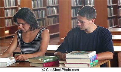 étudiants, 3, flirter, bibliothèque