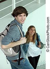 étudiants, escalier