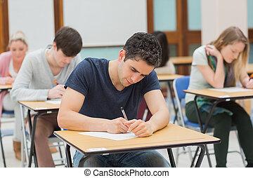 étudiants, examen