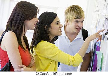 étudiants, (high, trois, regarder, key), planche, couloir, ...