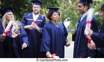 étudiants, mortier, heureux, conseils, diplômes