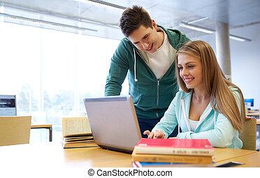 étudiants, ordinateur portable, bibliothèque, heureux