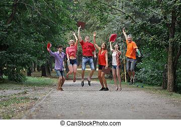 étudiants, parc, heureux, groupe, piste