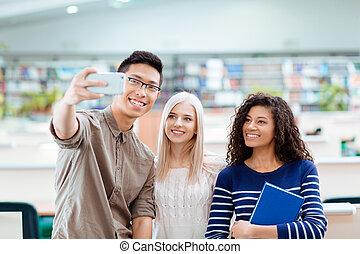 étudiants, photo, selfie, smartphone, confection