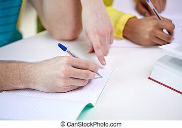 étudiants, portables, haut, écriture, mains, fin