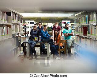étudiants, portrait, bibliothèque