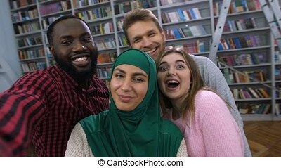 étudiants, poser, selfie, coup, international