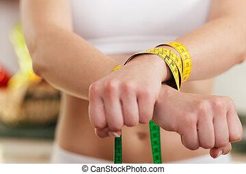 être régime, femme, allé, -, handcuffed, sauvage