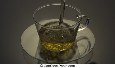 être, thé, versé, verre, tasse