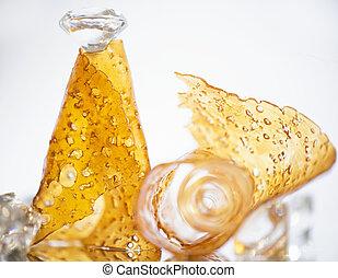 óleo, fragmentar, isolado, contra, pedaços, cannabis, concentrado, fundo, aka, branca