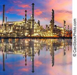 óleo, refinaria gás, com, reflexão, fábrica, planta...
