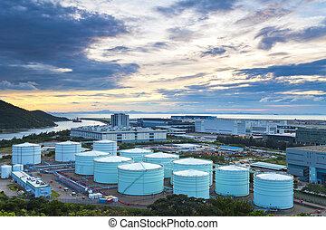 óleo, tanques, em, twlight