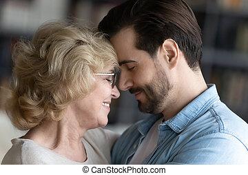 ögonblick, familj, tycka om, mor, mogna, lycklig, nära, son, vuxen