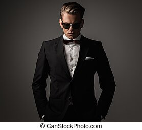 öltözött, magabiztos, black öltöny, éles, ember