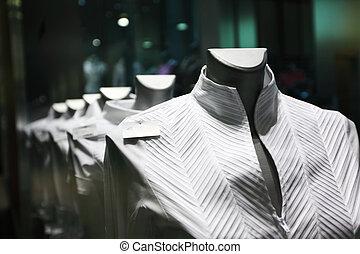 öltözet, showcase