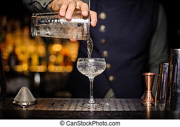 öntés, koktél, alkoholista, pohár, csapos, hajlandó