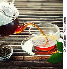 öntés, tea