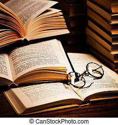 öppnat, bok, lögnaktig, på, den, bokhylla