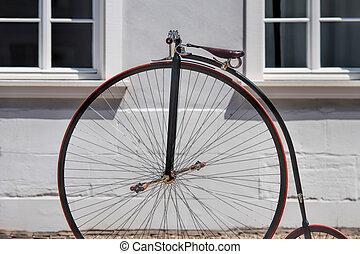 öreg, bicikli
