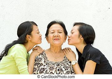 öreg, lányunoka, két, nagyanya, -eik, csókol