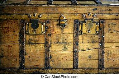 öreg, wooden láda, törzs, alatt, arany-, szín