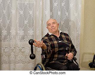 öregedő bábu, alatt, egy, tolószék, gyakorlás