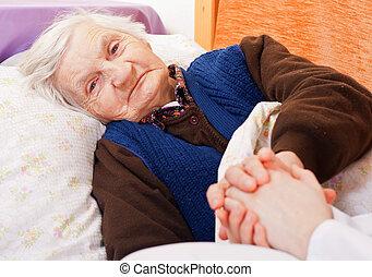 öregedő, elhagyott, nő, maradék, alatt, a, ágy
