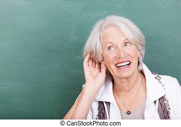 öregedő, hölgy, noha, hallás, probléma