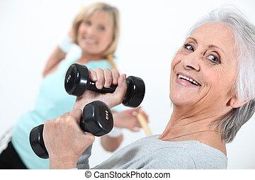 öregedő, hölgyek, alatt, tornaterem